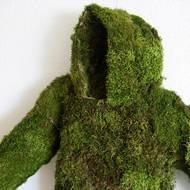 Sheena Mayer, Survival Jacket, Moos auf Baumwolle, 2018